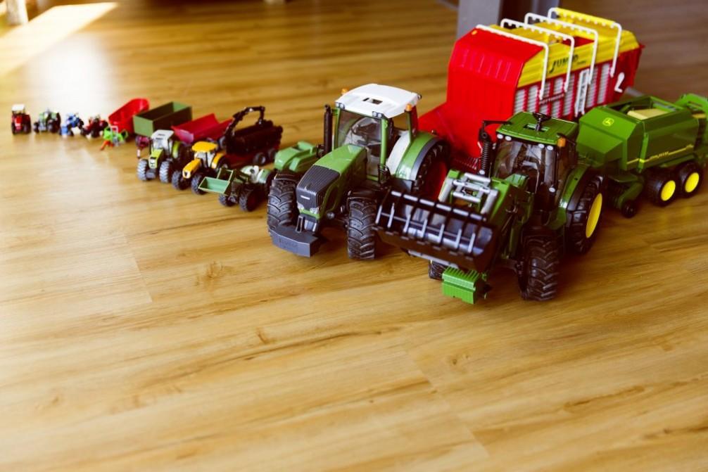 Colecciona tractores a escala de metal