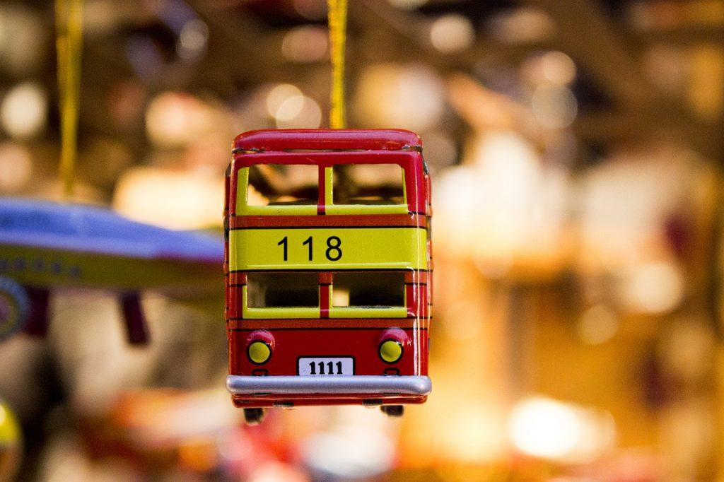 Venta de autobuses a escala de metal al por mayor